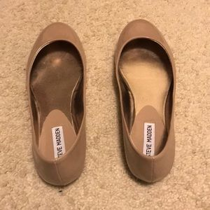 Steve Madden nude color flats